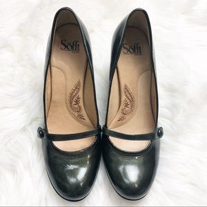 EUC Sofft Olive patent leather Mary Jane Heels